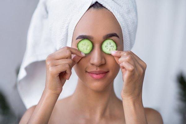 Puffy Face? 10 Ideas and Hacks to Cut back Face Bloat