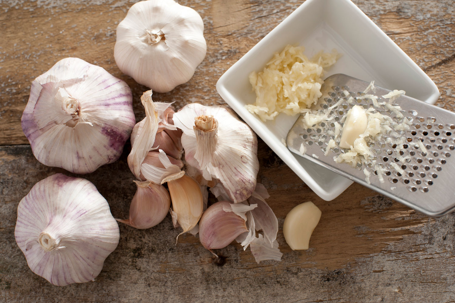 Can You Grate Garlic? - Kitchen Seer