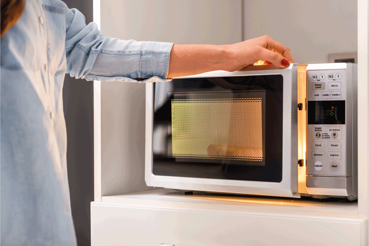 How To Clear Inside A Microwave [A Complete Guide]