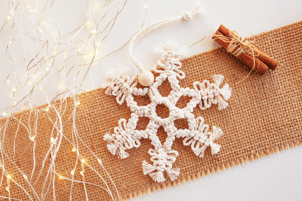 21 Selfmade Christmas Ornaments Children Can Make